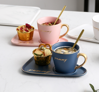 Ceramic coffee cup set + plate