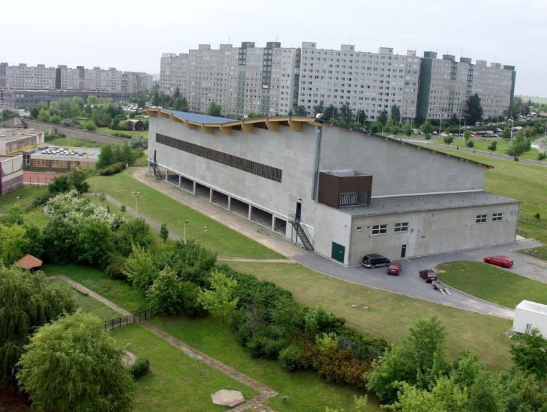 Zimní stadion Bronzová