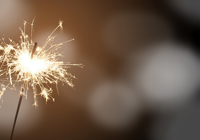 how-hot-are-sparklers_edited.png