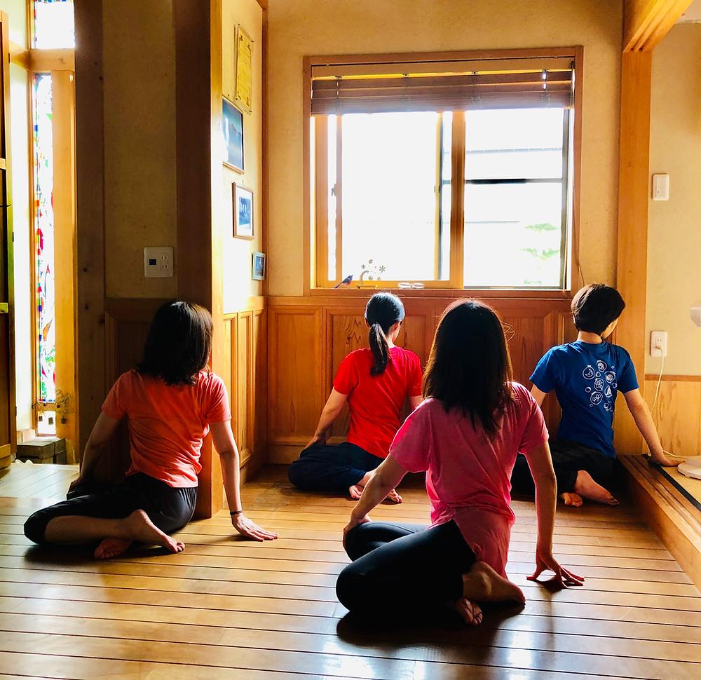 #yoga#普門堂鍼灸院#ねじるポーズ