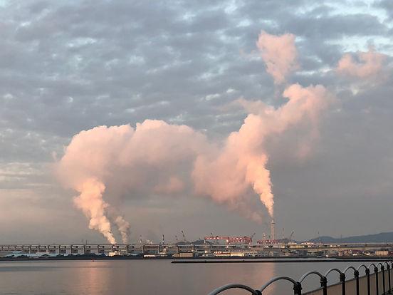 香川県坂出市 工場煤煙