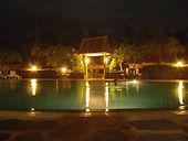 Vuokraa huvila Thaimaasta - Lähin uima-allas illalla.