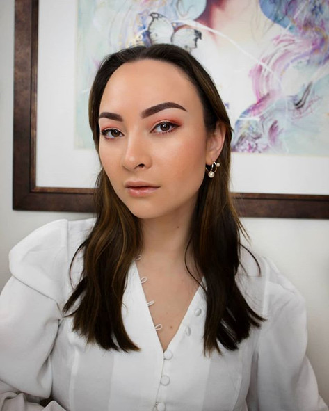 _hashtagpink showing her new ombre brows