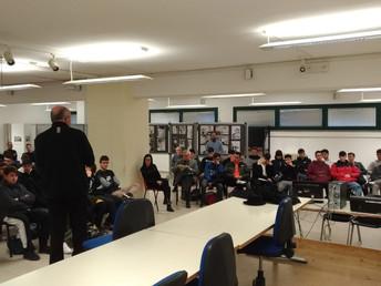 Il vescovo Mons. Nazzareno Marconi, il giorno 28 gennaio, incontra le classi quarte dell' I.I.S. Mat