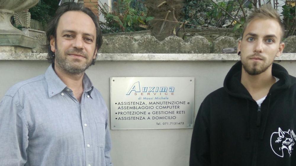 Michele Pugnaloni con il sig. Massi, titolare della ditta Auxima Service do Osimo.