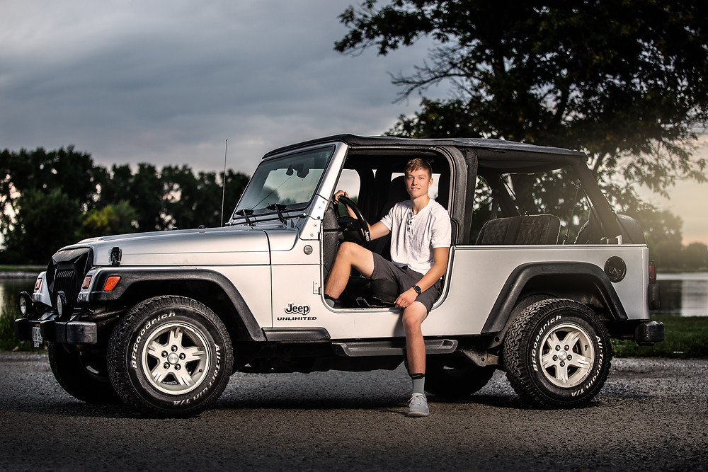 Omaha Senior Posing in his Jeep
