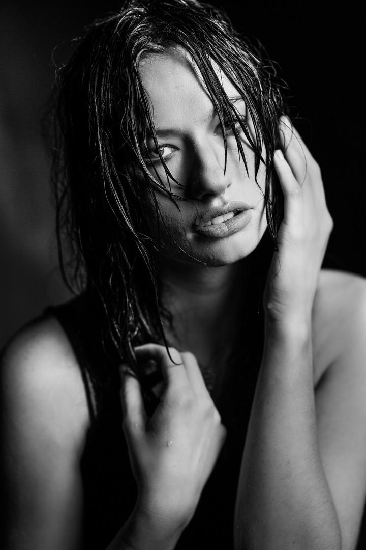 Omaha, NE Model Photographer   Wet Hair