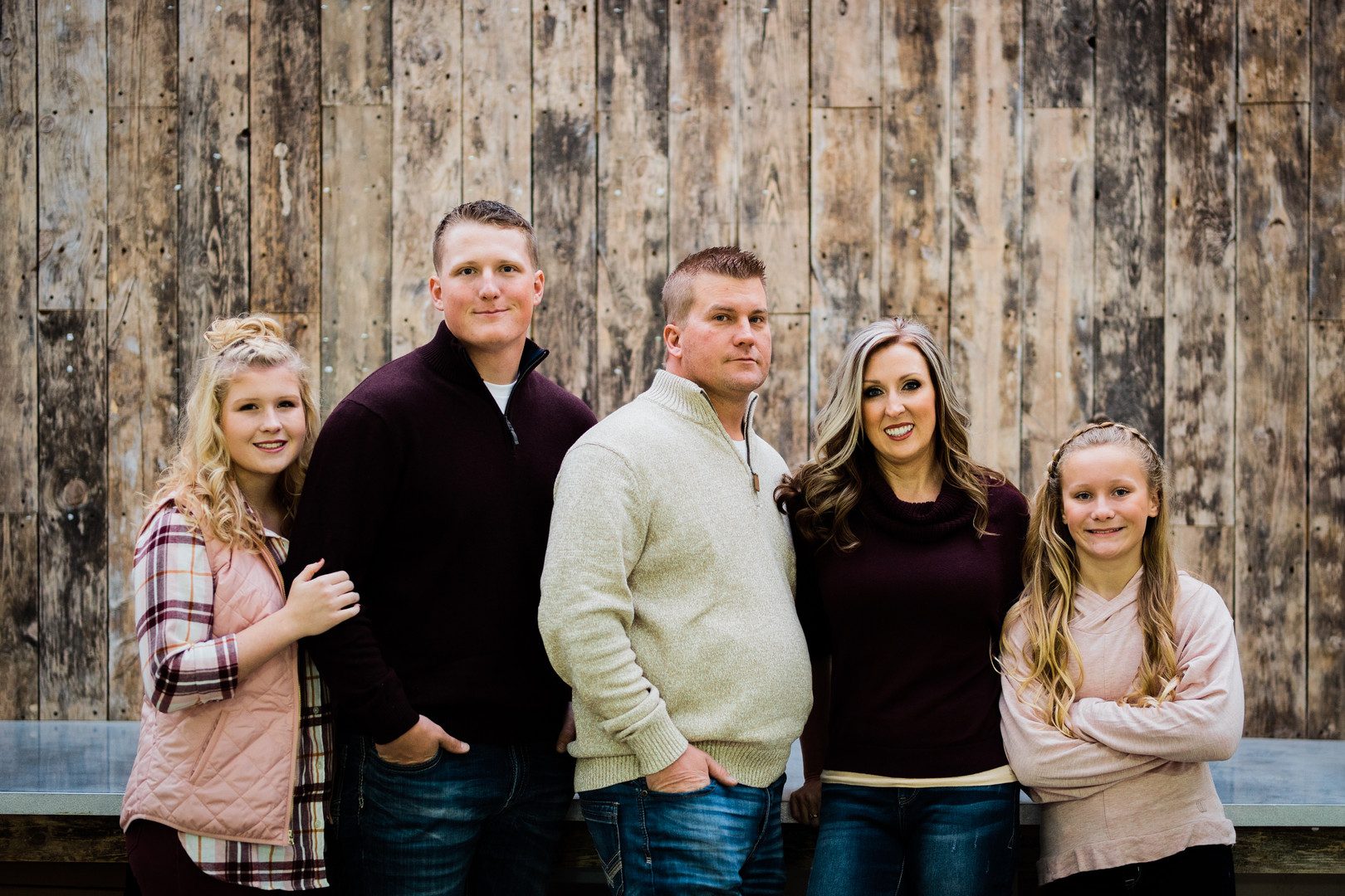 Family Photography | Maroon and Pink Theme