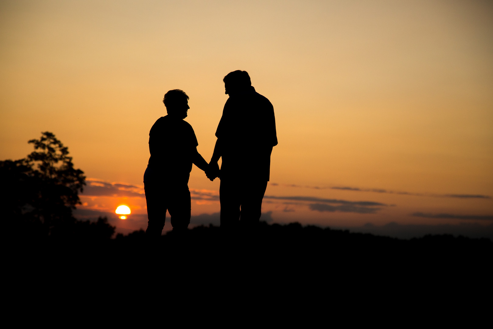 Couple Silhouette Photo | Family Photography