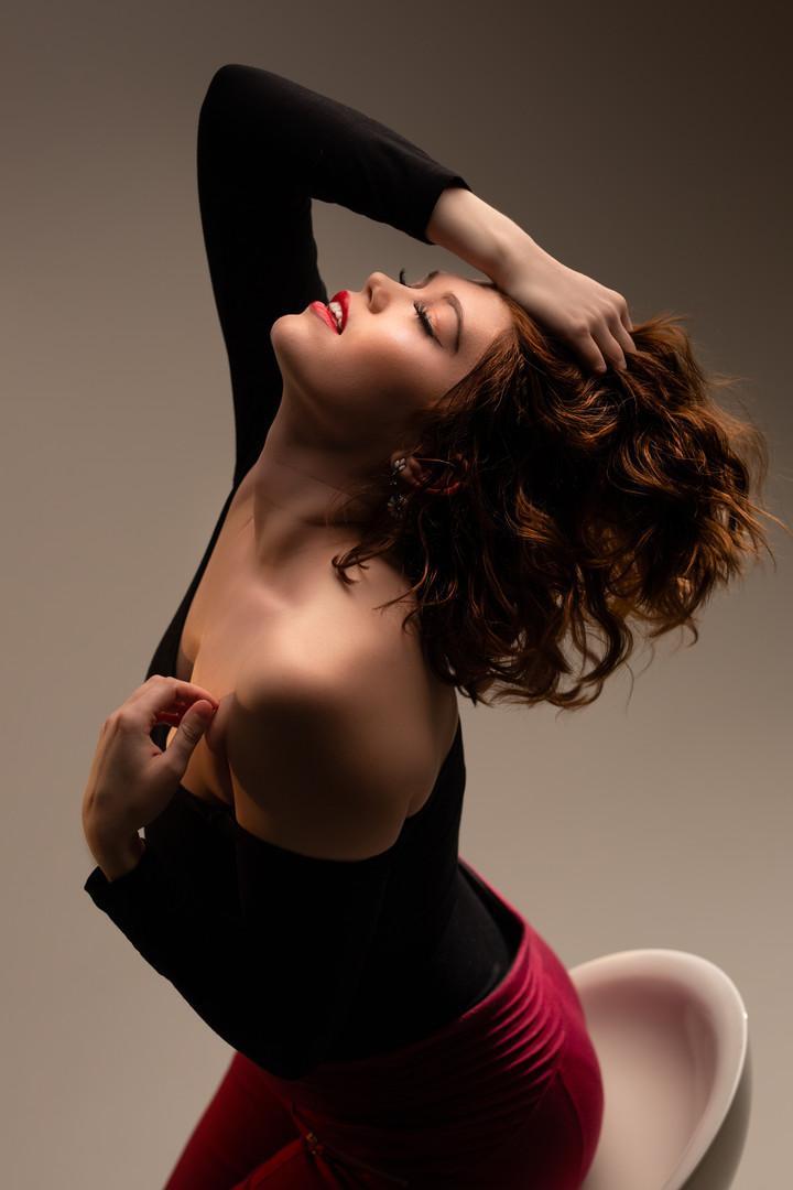 Photographer for Models   Studio Session   Face Upwards