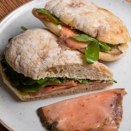 Ciabatta com salmão gravlax