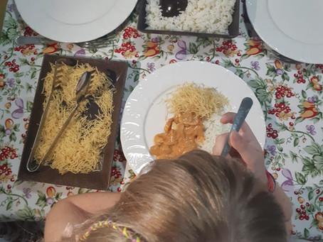 Pais e Filhos na cozinha: Estrogonofe de mignon suíno