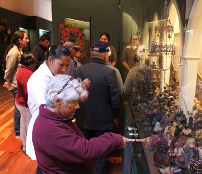 Visitantes en el Museo de la Ciudad