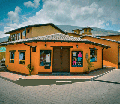 Shop & Eat at the Mitad del Mundo