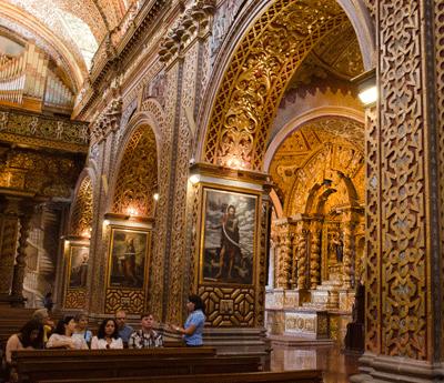 Where is Iglesia de la Compañía?