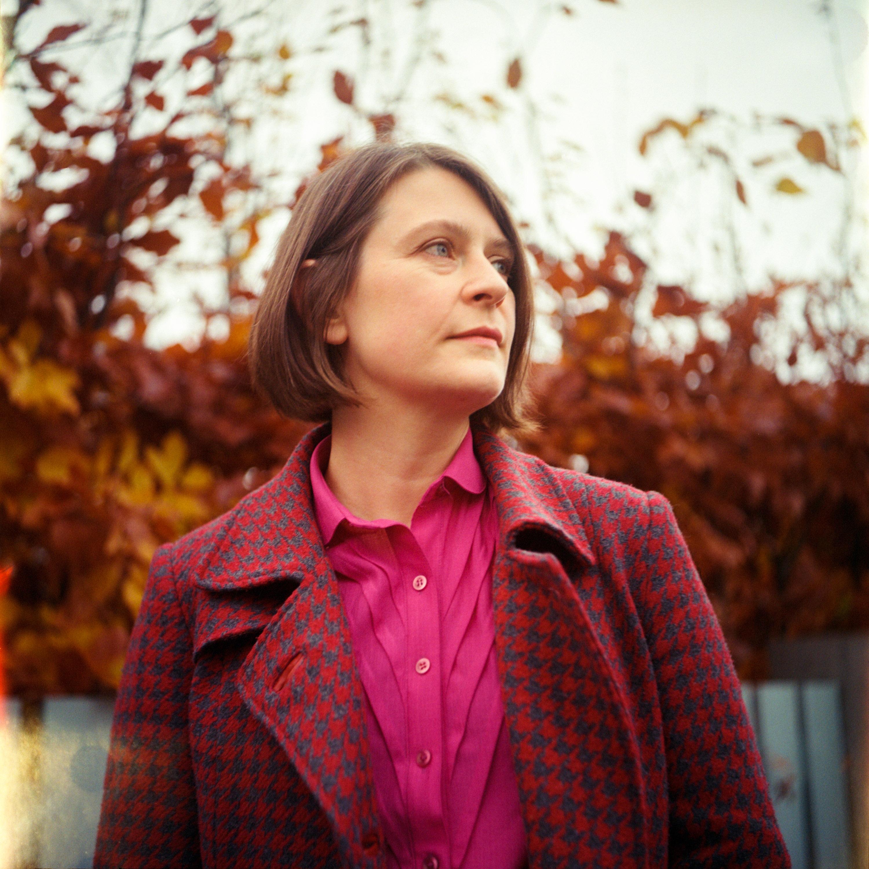 Sarah-Jane_JBM_analog_screen