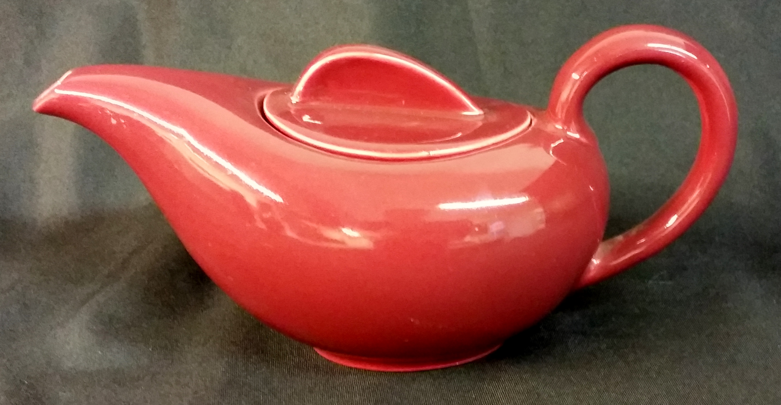 Holiday Red Tea Pot