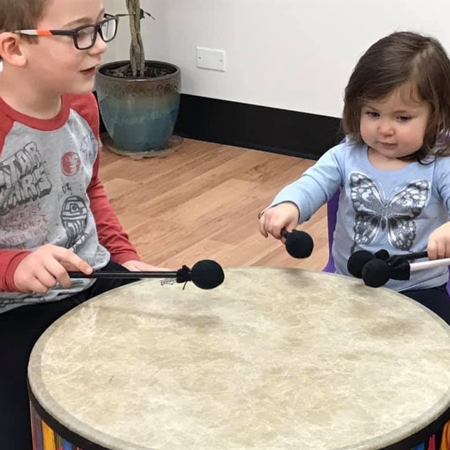 Music therapy facilitates positive family experiences