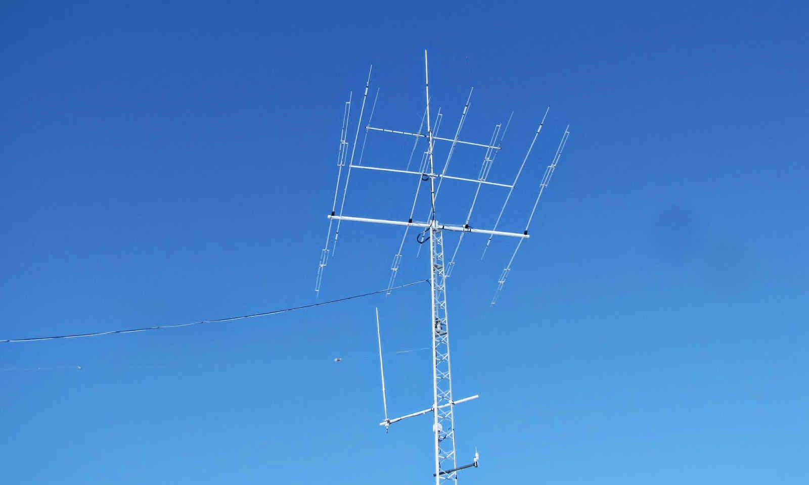 antenne radi amateur.JPG