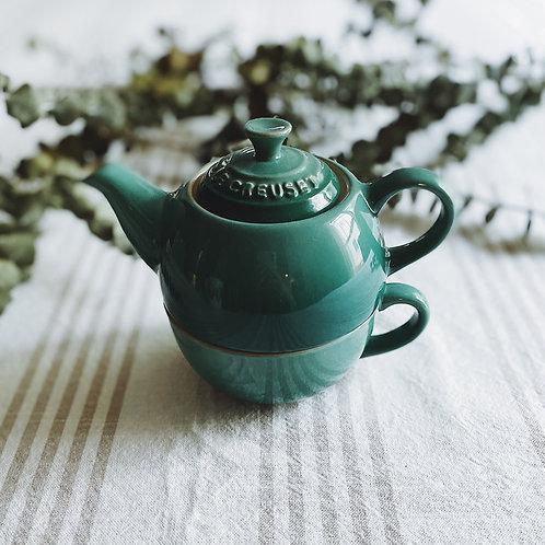 Le Creuset Stackable Tea Cup & Tea Pot