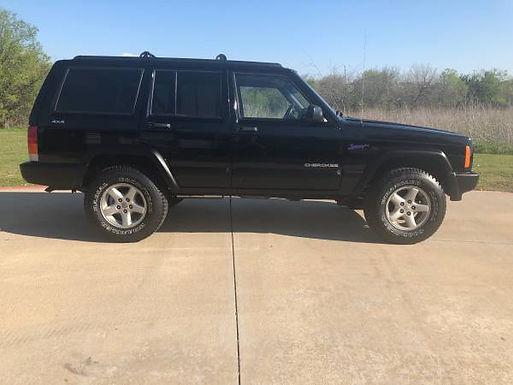 1998 Black Jeep Cherokee XJ 4x4