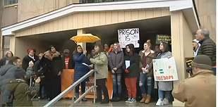 Supporters, critics of bail reform law hold dueling rallies at Nassau courthouse