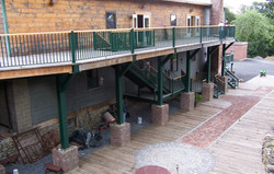 Falcon metal & wood railing