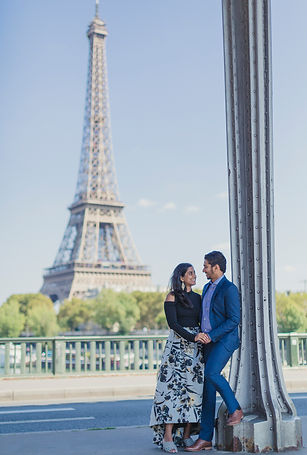 paris eiffel tower photo shoot