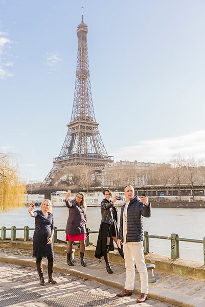 family photo session in Paris
