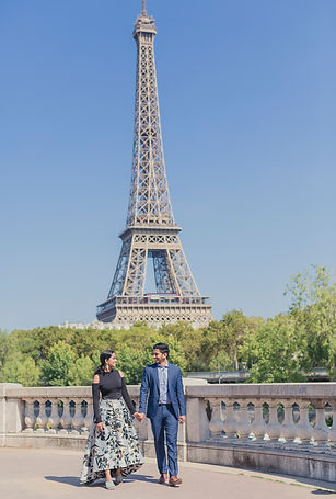 bir hakeim bridge couple photos