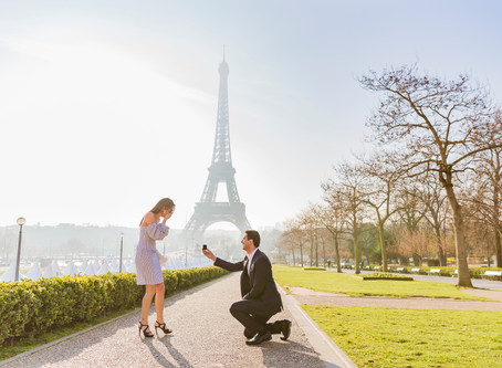 Surprise proposal at Trocadéro Gardens!