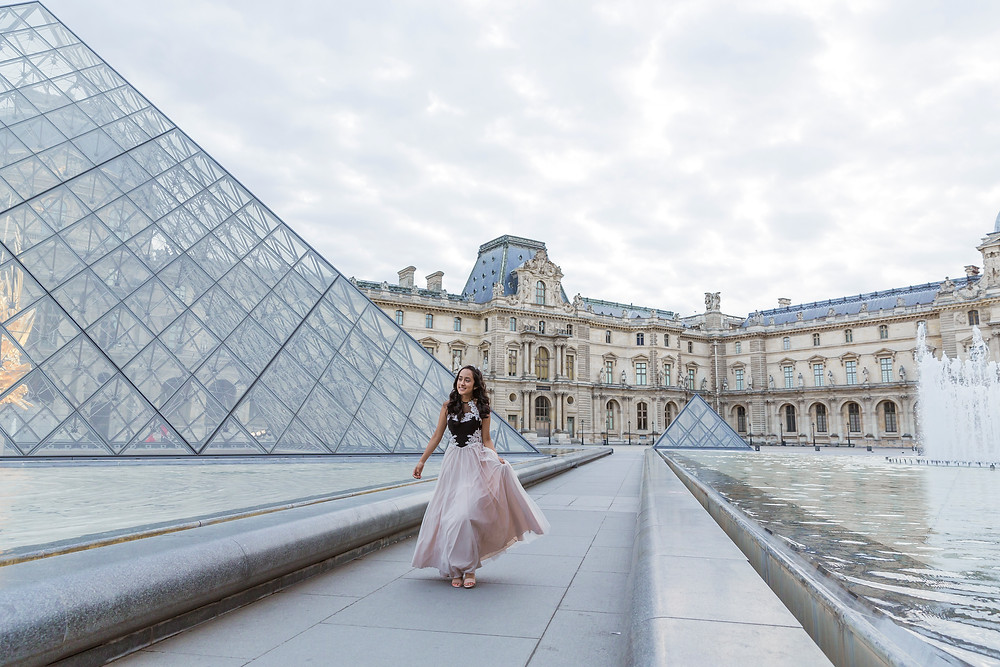 birthday photo session paris louvre museum