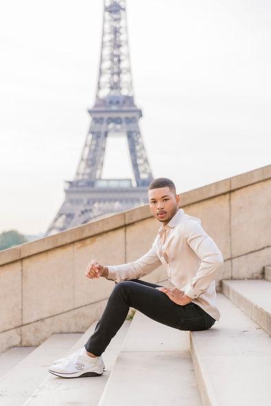 solo portrait in Paris