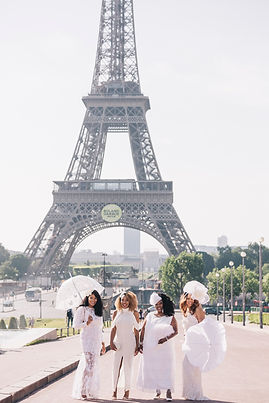 ladies in white paris photo session
