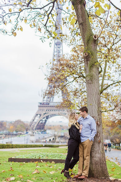 couple photo shoot in Paris