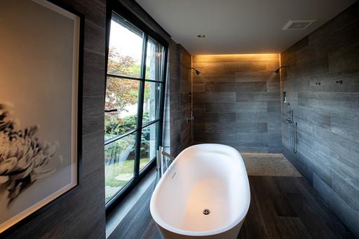 pg_westshore_masterbathroom3.jpg