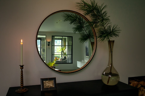pg_westshore_bedroom_mirror.jpg