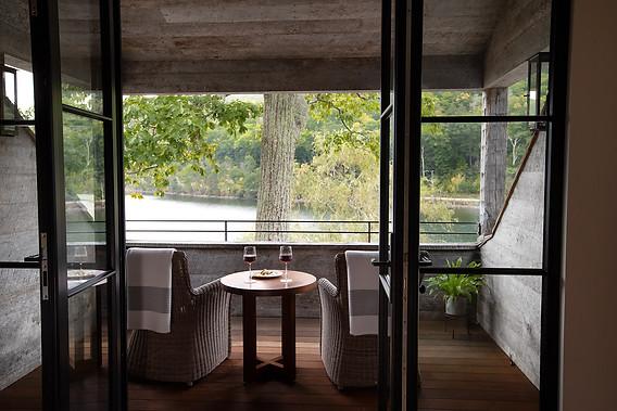 pg_westshore_balcony.jpg