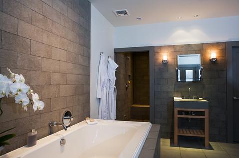 pg_findlay_bathroom.jpg