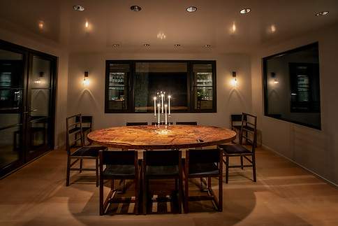 pg_westshore_diningroom_night.jpg
