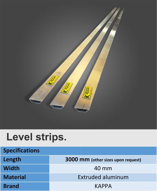 Level strips for easy leveling of the fresh plaster