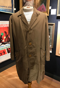 Columbo (1968 - 2003) - Peter Falk's Raincoat