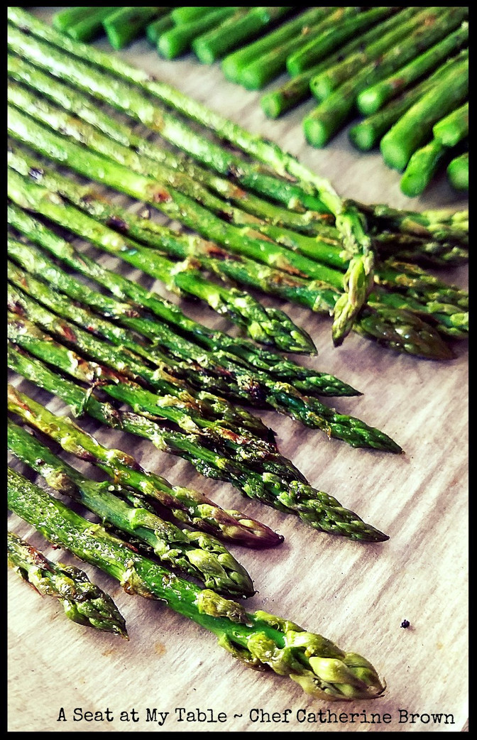 Grilled Asparagus with Lemony Garlic Dressing