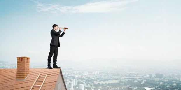 Faut-il passer par un chasseur immobilier ou chercher seul pour trouver la bonne affaire ?
