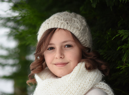 Tips on how to take beautiful photos of your children in the snow.