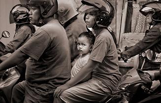 Bali motorbike kid2 thumb.png