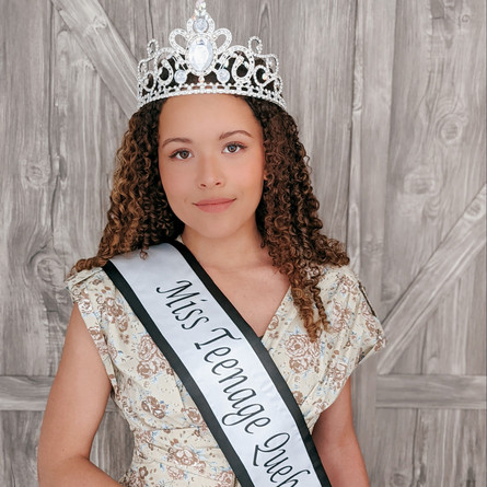 West Island resident crowned Miss Teenage Quebec.