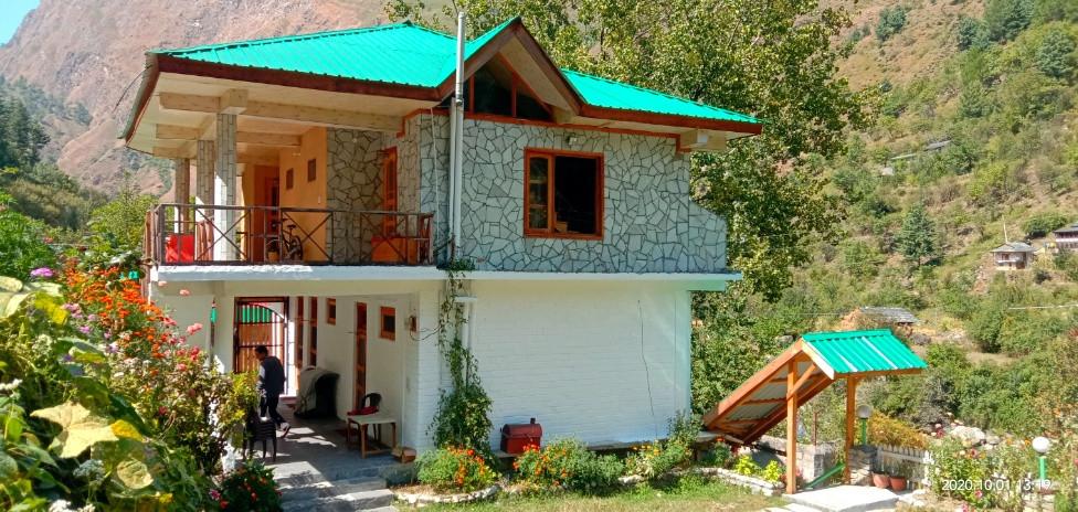 Homestays in Tirthan Valley | Prabhat's Homestay near Tirthan River