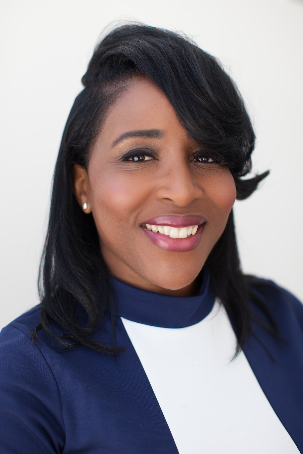 Angela Mealer is the visionary behind iAlignVision.com; her company provides process improvements, executive coaching, and structured training balanced with her business and community engagement expertise.