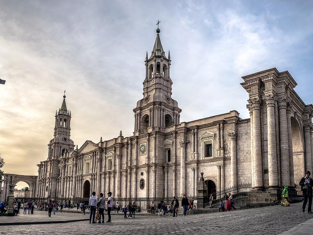 Imponente Catedral de Arequipa